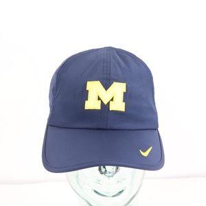 Nike Dri Fit Michigan Wolverines Featherlight Hat